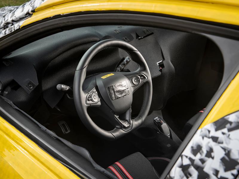 Opel Corsa F Cockpit