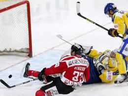 Patrice Bergeron erzielt schon in der Anfangsminute die Führung für Team Canada.