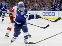Johnson und Kucherov klicken im Powerplay