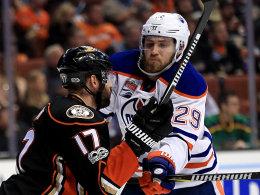 Draisaitl bezwingt Holzer: Oilers stocken auf