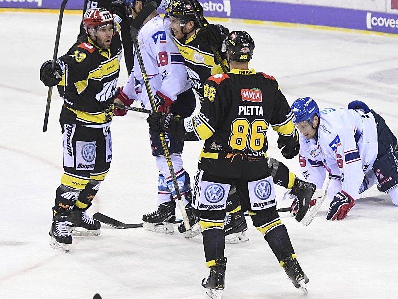 Krefeld Uberrascht Mannheim Auch Deg Sieglos Eishockey Kicker