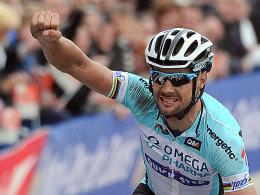 Deutlicher Sieg beim Frühjahrsklassiker: Tom Boonen gewinnt Paris-Roubaix zum vierten Mal.
