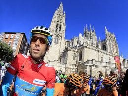 Der Gesamtführende Vincenzo Nibali beim Start der 18. Etappe in Burgos