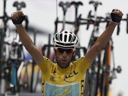 Seinem Angriff hielt keiner Stand: Vincenzo Nibali gewann die letzte Pyrenäen-Etappe und steht vor dem Gewinn der diesjährigen Tour de France.