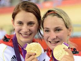 Miriam Welte und Kristina Vogel (rechts)