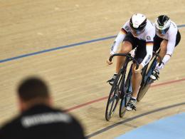 Zufrieden mit dem dritten Rang bei der Bahnrad-WM: Miriam Welte und Kristina Vogel.