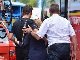 Schock: Beim Team Lotto-Soudal herrschte große Betroffenheit im Zielraum.