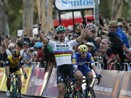 Sagan gewinnt Auftaktrennen vor Greipel