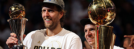 Dirk Nowitzki und Jason Kidd (re.) am Ziel ihrer Träume