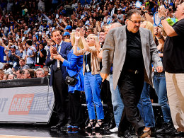Stan van Gundy (re.)