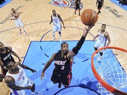 Nahm aus Sicht der Heat-Fans endlich Fahrt auf: Dwyane Wade sprang LeBron James zur Seite.