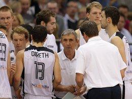 Svetislav Pesic hält viel von seiner jungen Meute - Dirk Nowitzki darf dennoch wieder hinzustoßen.