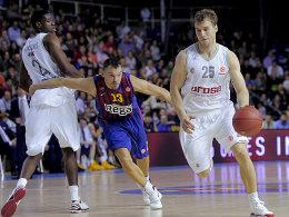 Umgekehrte Vorzeichen: Meist hatte Anton Gavel (re.) gegen Barcelonas Jasikevicius (M.) das Nachsehen.