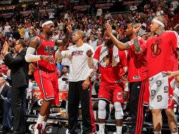 Der König schreitet an seinem Volk vorbei: LeBron James prägt das Spiel der NBA momentan wie kein anderer.