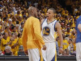 Rüttelte die Krieger im dritten Viertel wach: Warriors-Star Stephen Curry, hier mit Jarrett Jack (li.).