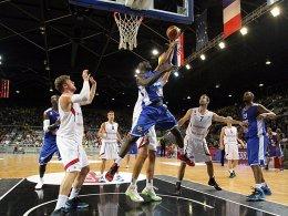 Nichts zu holen gegen Frankreich: Die DBB-Auswahl unterlag mit 66:74.
