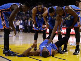 Wieder am Boden, aber wohl nicht l�nger au�er Gefecht: OKC-Star Kevin Durant.