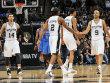 Lockerer Gang f�r die Spurs: Tony Parker (re.) und seine Kollegen fertigten Oklahoma ab.