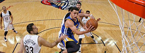 Tempo, Esprit, Kaltschnäuzigkeit: Stephen Curry geht mit den Warriors als klarer Favorit in die Serie mit den Pelicans.