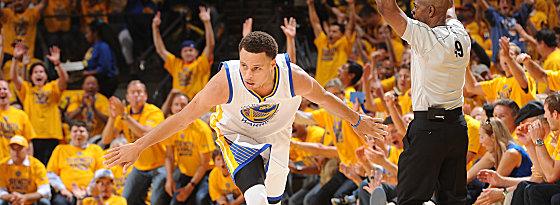 Splash! Stephen Curry trägt die Warriors weiterhin leichtfüßig durch die Play-offs.