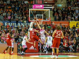 Bonn besiegt Bayern - W�rzburg auf Rang zwei