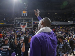 Abschied aus Sacramento: Kobe Bryant nach seinem letzten Auftritt bei den Kings.