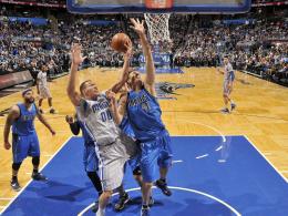 Schlittern die Dallas Mavericks um Dirk Nowitzki (#41) in die Krise?