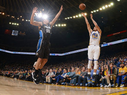 Curry: 300 - Warriors: 45 - Nowitzki: Sorgen
