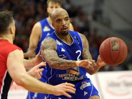 Theodore h�lt Skyliners auf Play-off-Kurs