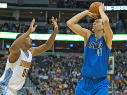 Dirk Nowitzki erwischte mit zehn Punkten ein eher unauffälliges Spiel gegen Denver.