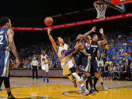 Warriors knacken die 73 - Curry macht 402 Dreier