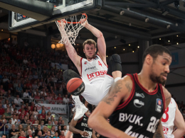 Brose Baskets starten souver�n in Play-offs