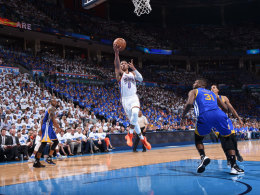 133:105! OKC f�hrt die Warriors vor