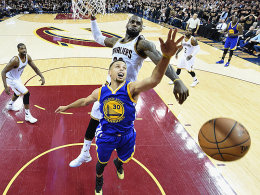 Der King regiert - Curry wirft den Zahnschutz