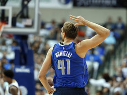 Nowitzkis Mavs schlagen auch Nuggets - Booker-Show in Philly