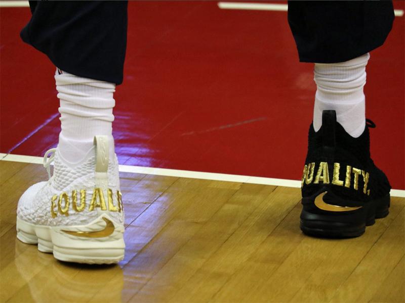 Schwarzer und weißer Schuh: LeBron James setzt in Washington Zeichen