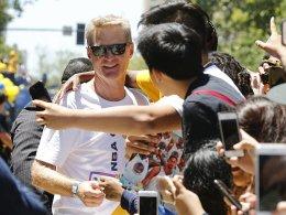 Trainer Kerr bleibt der Erfolgsschmiede Golden State treu