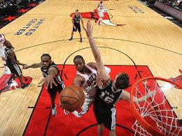 Erste Auswärtsniederlage: Die Spurs erwischt's in Chicago