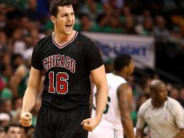 Zipser zaubert: Bulls klauen auch Spiel 2 in Boston