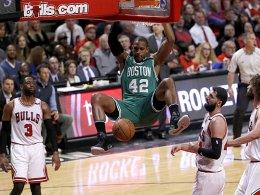 Boston meldet sich in Chicago zurück