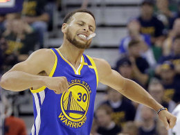 Warriors makellos: Curry & Co. ziehen weiter