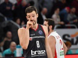 Alba trotz Pleite vorzeitig weiter - Bamberg verliert