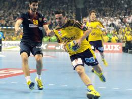 Treffsicher: Berlins Ivan Nincevic, hier rechts gegen Barcelonas Martinez, erzielte sechs Tore.