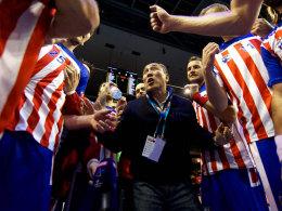 Plötzlich arbeitslos: Trainer Talant Dujshebaev und die Spieler von Atletico Madrid.
