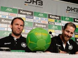 Handball-Bundestrainer Dagur Sigurdsson und Teammanager Oliver Roggisch