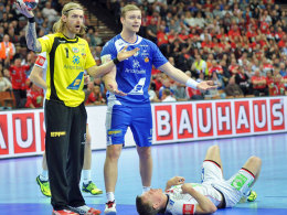 """""""Wir sind unschuldig"""": Der Ex-Kieler Aron Palmarsson (r.) und Islands Keeper Björgvin Gustavsson."""