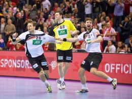 Zu früh gefreut? Die deutschen Handballer feiern nach dem Finaleinzug.