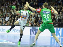 Dieses Duell wird es bald auf europäischer Bühne geben: Göppingen (li., Michael Kraus) gegen Magdeburg (Finn Lemke).