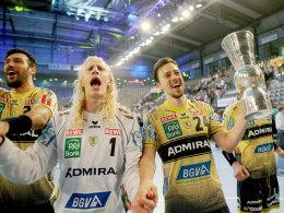 Erster Titel! L�wen ringen Magdeburg nieder