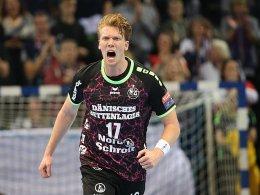 Flensburg bleibt an PSG dran